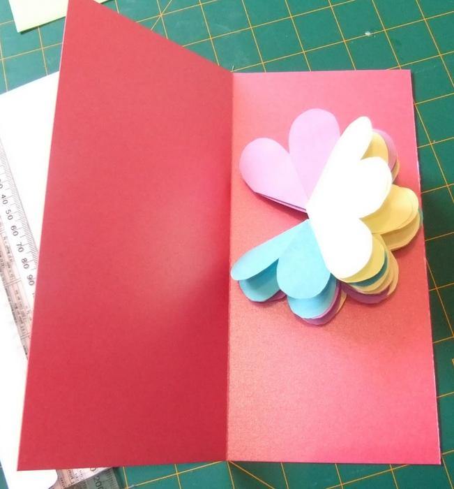 Как сделать открытку с цветами внутри