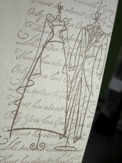 ...костюм жениха и платье невесты, используя темно-коричневую краску.