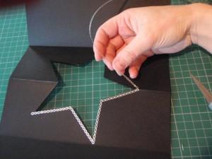 Как делать сгиб у открытки