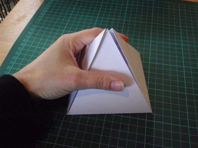 Как сделать коробочку для подарка. Мастер-класс (11)